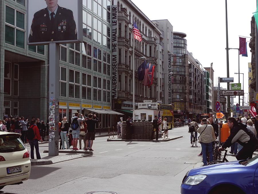 Checkpoint charlie, Berlin - travailler à Berlin
