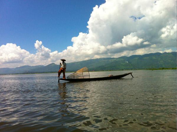 Pêcheur à Inle birmanie