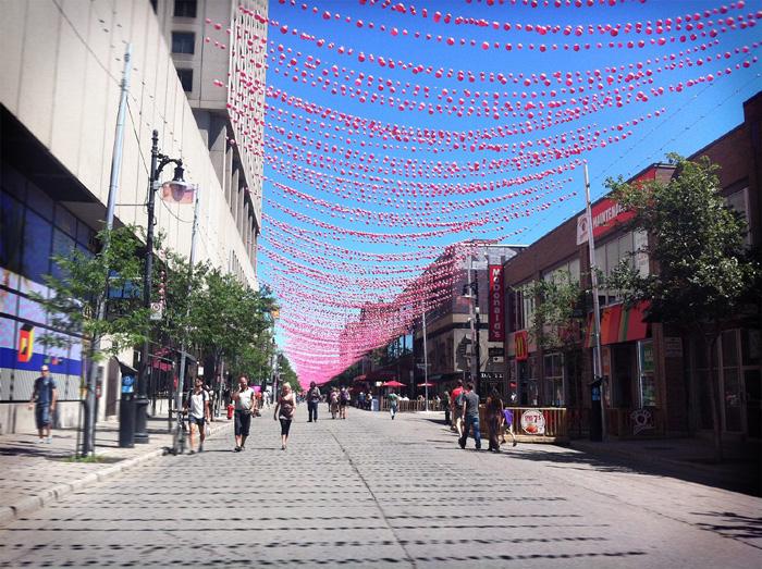 Rue sainte catherine cote UQAM